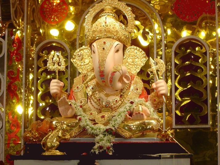 Dagadusheth Hhalwai Ganapati Pune