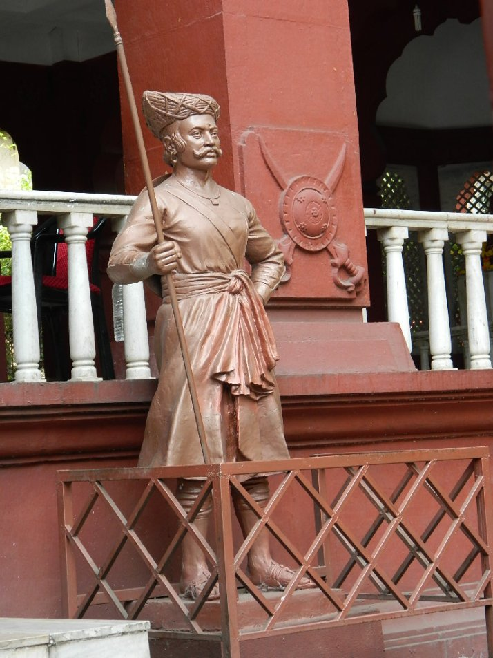 Lal Mahal Statue
