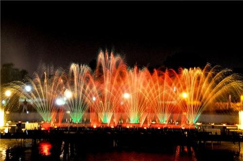 musical fountain at the maitribagh chhattisgarh
